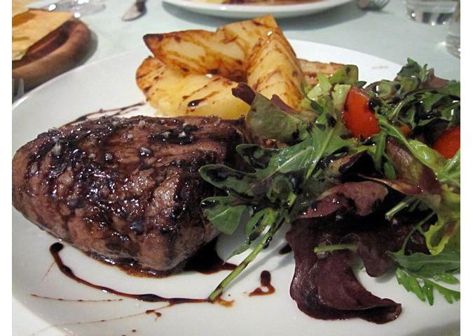 https://www.expats.cz/resources/inchnusa-steak-675.jpg
