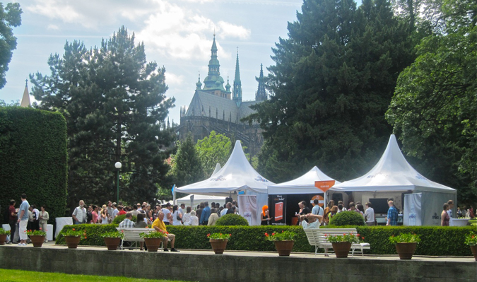 http://www.expats.cz/resources/prague-food-fest-11-11.jpg