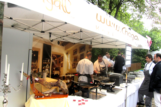 http://www.expats.cz/resources/prague-food-fest-11-18.jpg