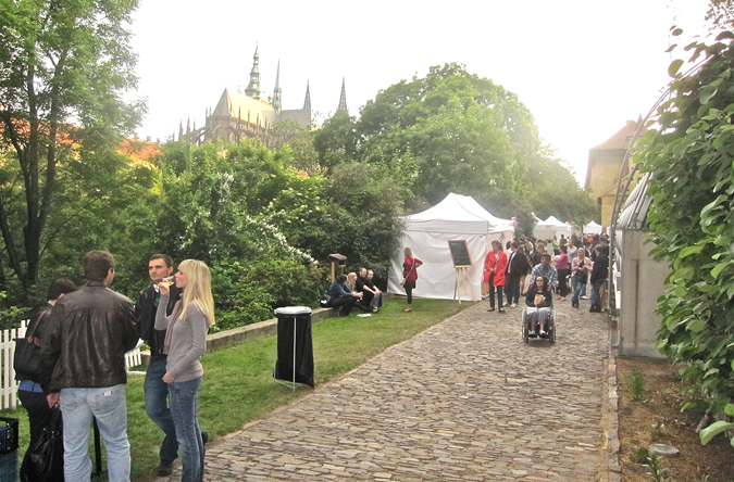 http://www.expats.cz/resources/prague-food-fest-11-20.jpg