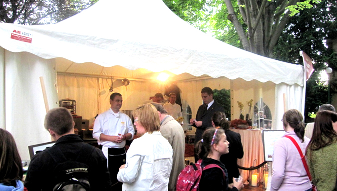 http://www.expats.cz/resources/prague-food-fest-11-27.jpg