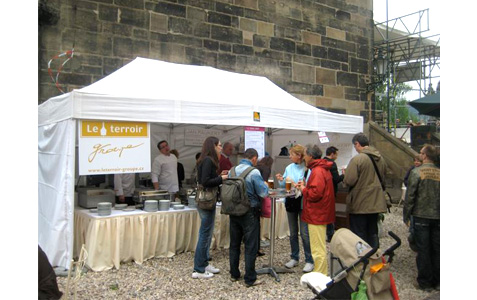 https://www.expats.cz/resources/prague-food-fest-3.jpg