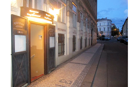 http://www.expats.cz/resources/restaurant-emy-destinove02.jpg