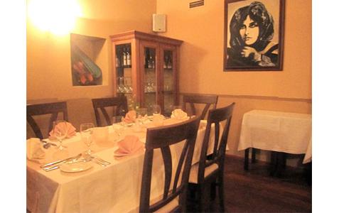 http://www.expats.cz/resources/restaurant-emy-destinove14.jpg
