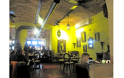 https://www.expats.cz/resources/resto-cafe-patio-2.jpg