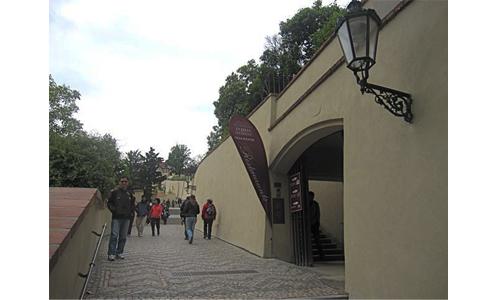 https://www.expats.cz/resources/villa-richter-01