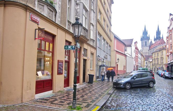 http://www.expats.cz/resources/vino-di-vino-01.jpg