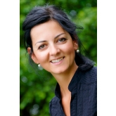 Mgr. Ivana Ballova, psychologist and psychotherapist specialised for expats issues.