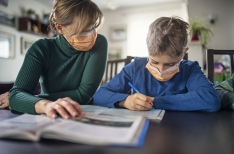 Czech parents spent an average of 3.4 hours a day homeschooling their children during lockdown
