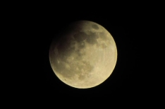 Partial eclipse will take a bite out of the full moon over Prague tomorrow