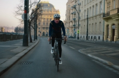 Video: Czech cyclist wheels over empty streets, encourages Praguers to ride alone